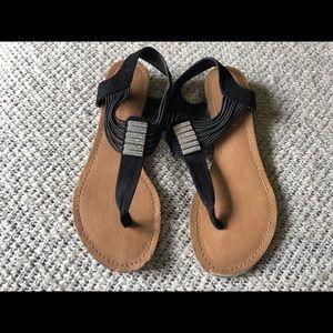Madden Girl flip flops